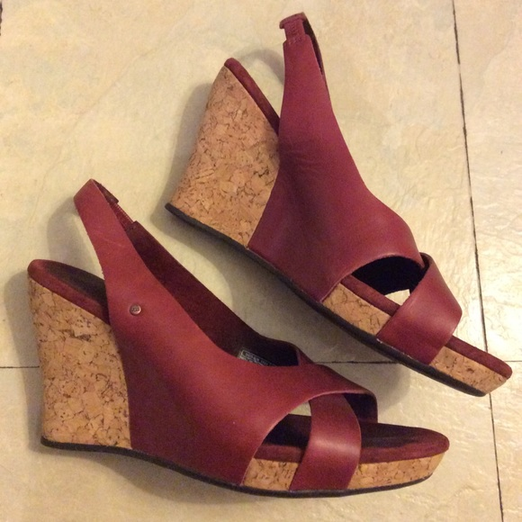 1042cc7122d Ugg red wine cork wedges size 7 leather straps